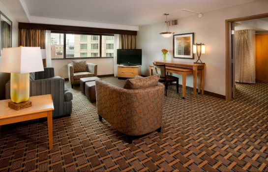 Zimmer Embassy Suites by Hilton Indianapolis Downtown