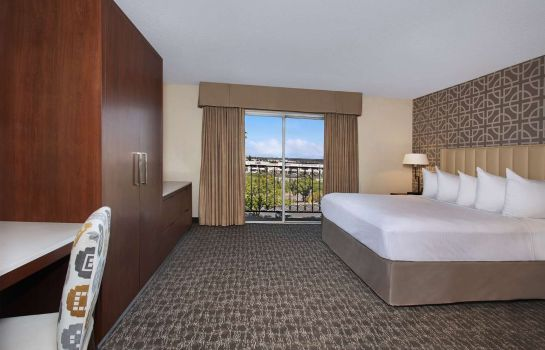Room Embassy Suites by Hilton Anaheim North