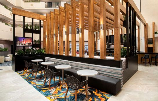 Hotel-Bar Embassy Suites by Hilton Orlando Airport