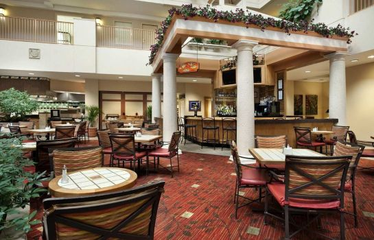 Restaurant Embassy Suites by Hilton Orlando Airport