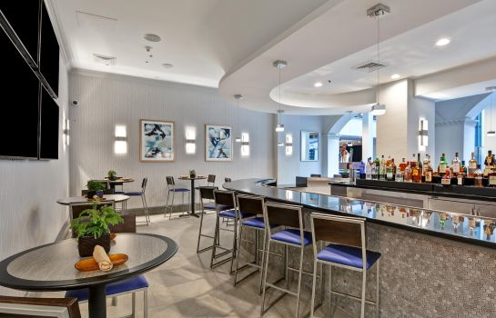 Hotel bar Embassy Suites by Hilton Miami International Airport