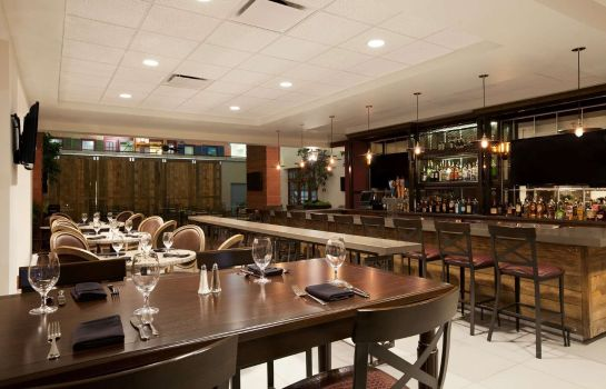 Hotel bar Embassy Suites by Hilton New Orleans