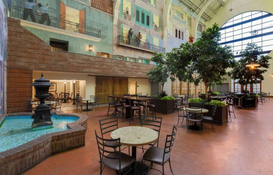 Lobby Embassy Suites by Hilton New Orleans