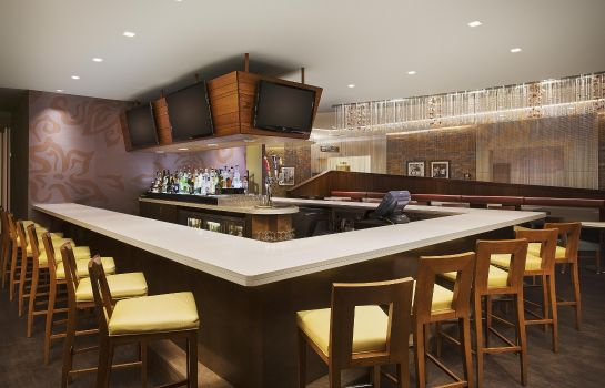 Hotel-Bar Embassy Suites by Hilton Myrtle Beach Oceanfront Resort