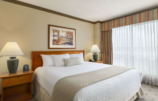 Zimmer Embassy Suites by Hilton Portland Airport