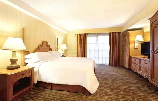 Zimmer Embassy Suites by Hilton Phoenix Airport