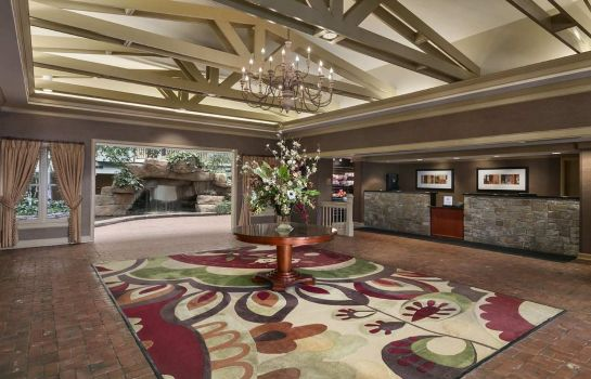 Lobby Embassy Suites by Hilton Pittsburgh International Airport
