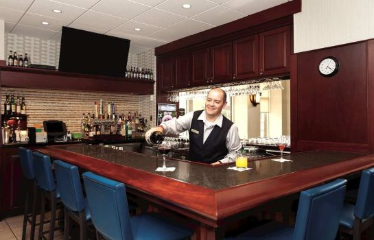 Hotel-Bar Embassy Suites by Hilton Portland Maine