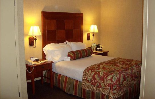 Zimmer Embassy Suites by Hilton San Antonio Airport
