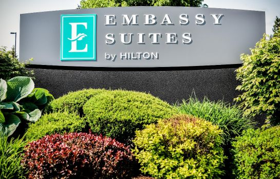 Exterior view Embassy Suites by Hilton Syracuse