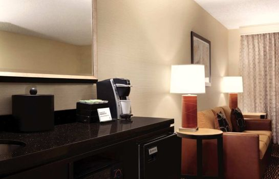 Hotel-Bar Embassy Suites by Hilton Tulsa I-44