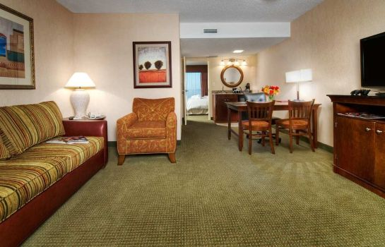 Suite Embassy Suites by Hilton Tulsa I-44
