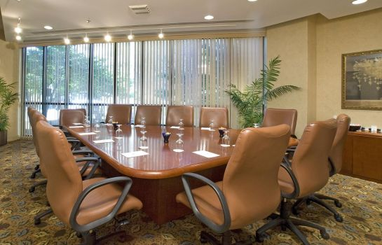 Conference room Embassy Suites by Hilton Crystal City National Airport