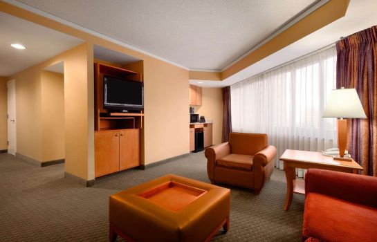 Zimmer Embassy Suites by Hilton Crystal City National Airport