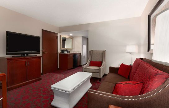 Zimmer Embassy Suites by Hilton Dulles Airport