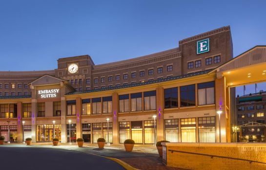 Exterior view Embassy Suites by Hilton Alexandria Old Town
