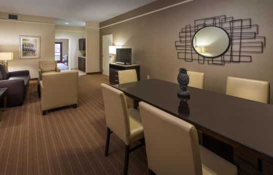Suite Embassy Suites by Hilton Alexandria Old Town
