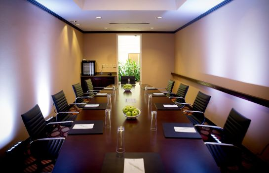 Conference room Embassy Suites by Hilton Alexandria Old Town