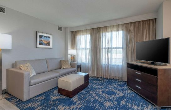 Zimmer Embassy Suites by Hilton Alexandria Old Town