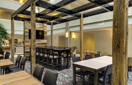 Restaurant Embassy Suites by Hilton Williamsburg