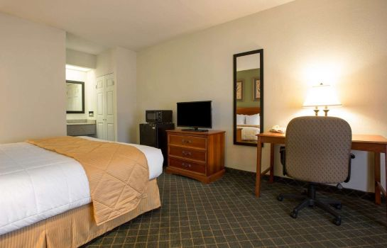 Room CLARION INN AND SUITES AIKEN CLARION INN AND SUITES AIKEN