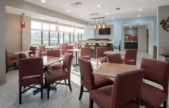 Restaurant Holiday Inn Express & Suites NASHVILLE-I-40&I-24(SPENCE LN)