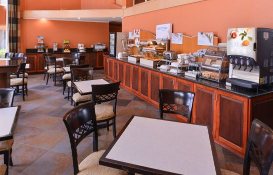 Restaurant Holiday Inn Express CLEARWATER EAST - ICOT CENTER