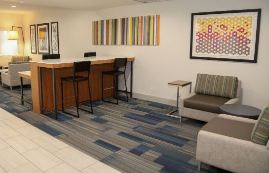 Lobby Holiday Inn Express & Suites COLORADO SPRINGS NORTH