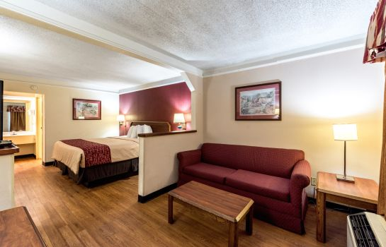 Kamers Red Roof Inn and Suites Clinton