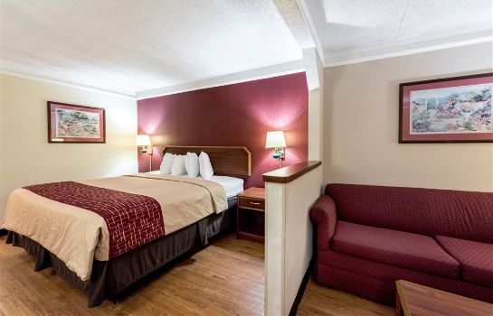 Zimmer Red Roof Suites Clinton