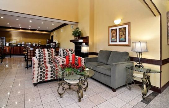 Lobby Quality Inn & Suites Cincinnati