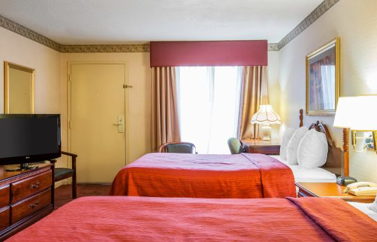 Suite Quality Inn near Six Flags