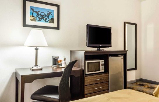 Habitación Quality Inn near Six Flags