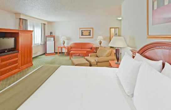 Suite MD  Frederick Country Inn and Suites by Radisson