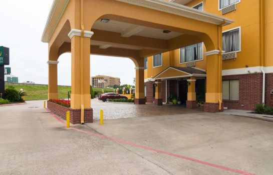 Exterior view Quality Inn & Suites Hwy 290 - Brookhollow