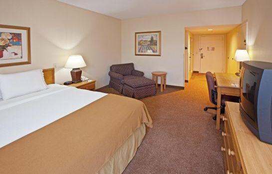 Room Baymont Inn and Suites Fishers / Indianapolis Area