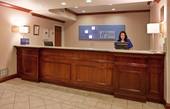 Hotelhalle Holiday Inn Express & Suites LAWRENCE