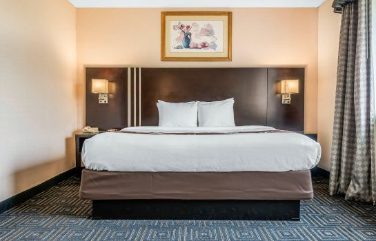 Suite Quality Inn & Suites Mall of America - MSP Airport