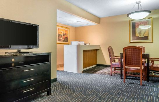 Suite Quality Inn and Suites Mall of America -