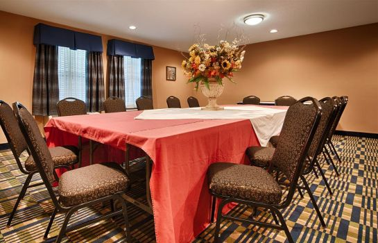 Conference room SureStay Plus Hotel By Best Western Roanoke Rapids