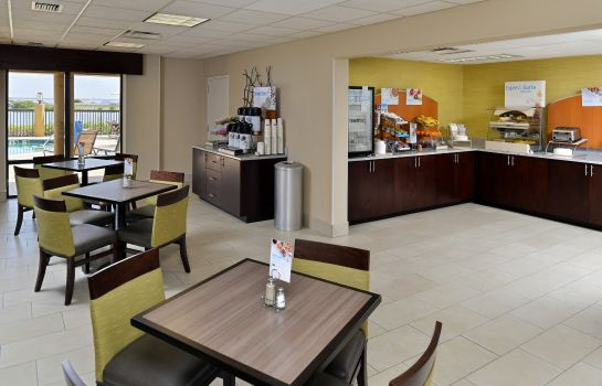 Restaurant Holiday Inn Express & Suites TAMPA/ROCKY POINT ISLAND