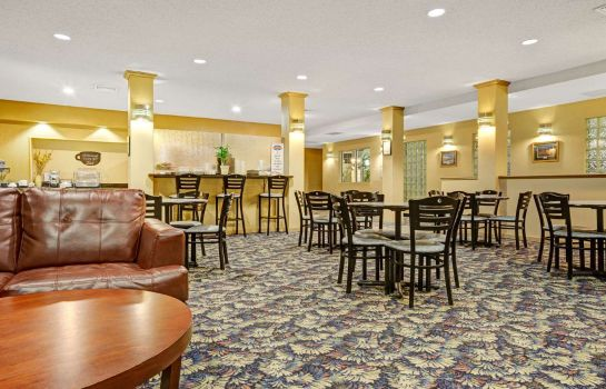 Hall Baymont Inn & Suites Wahpeton