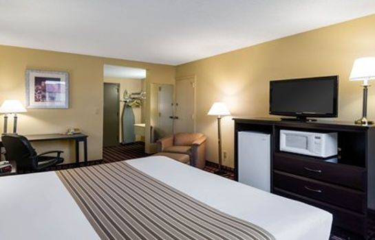 Zimmer Econo Lodge Inn & Suites Triadelphia - Wheeling