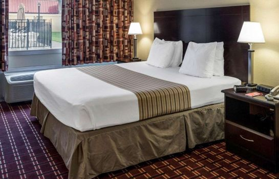 Camera Econo Lodge Inn & Suites Triadelphia - Wheeling
