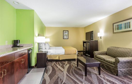 Suite Quality Inn Warsaw I-40