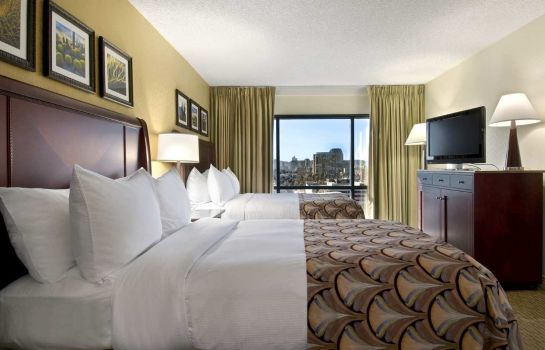 Suite Embassy Suites by Hilton Phoenix Downtown North