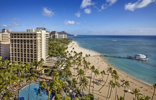 Exterior view Hilton Hawaiian Village Waikiki Beach Resort