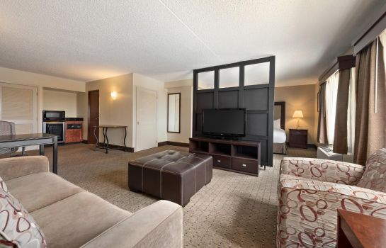 Suite DoubleTree by Hilton Wichita Airport