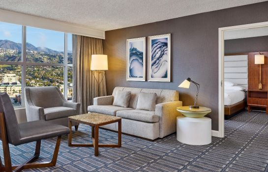 Suite Hilton Los Angeles North/Glendale & Executive Meeting Center