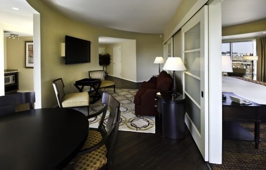 Suite The Inn at Penn a Hilton Hotel